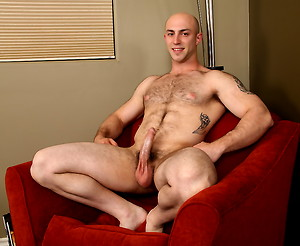 Muscle stud Tatum jacking off and shooting a load