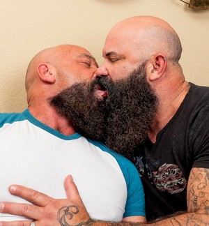 Huge muscle gay bears Jayson West and Victor West fucking
